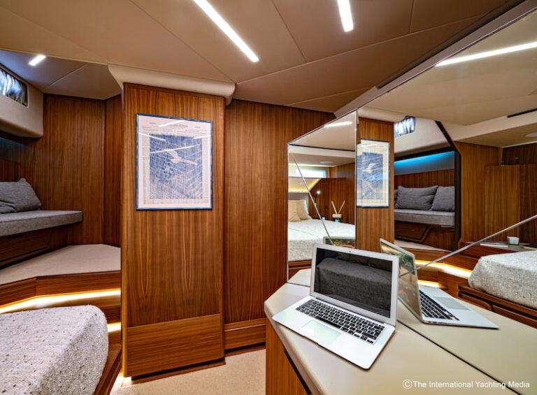 Franchini Mia 63 master cabin desk