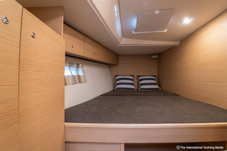 Kufner 54 bow cabin