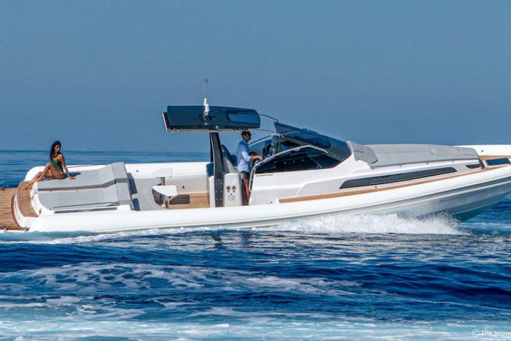 Magazzù MX-13 Gran Coupé sea trial