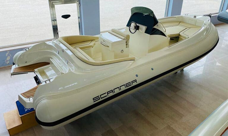 Scanner-Marine-Envy-770-outboard