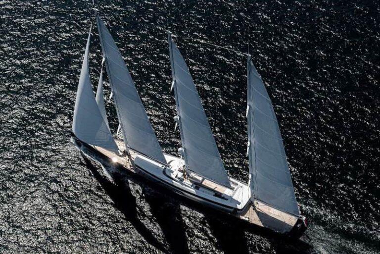 Sea Eagle sailing