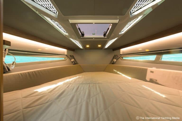 Flipper 900 DC interiors