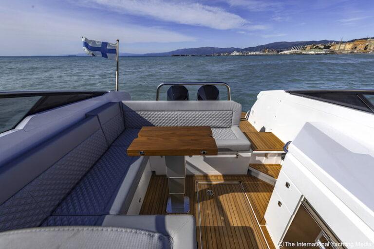 Flipper 900 DC sofas