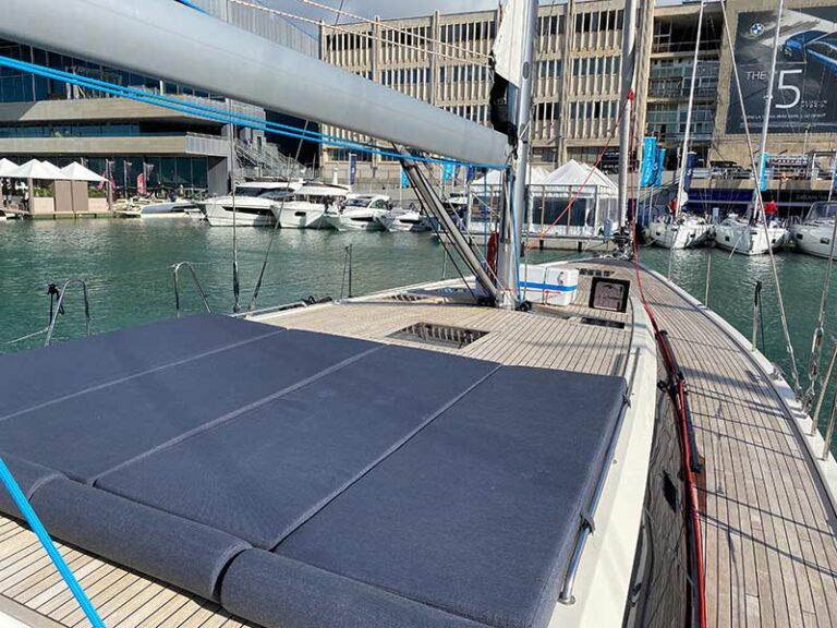 kufner-yachts-italia-bow-sundeck