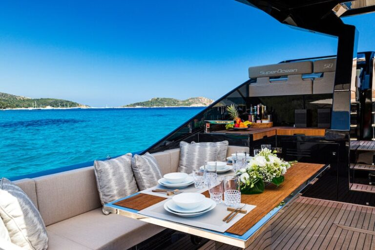 Superocean 58 dining table