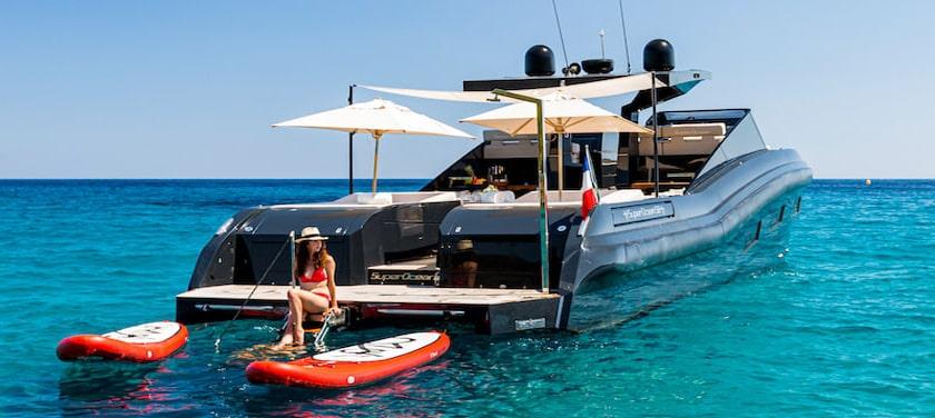 Superocean 58 sunbathing platform