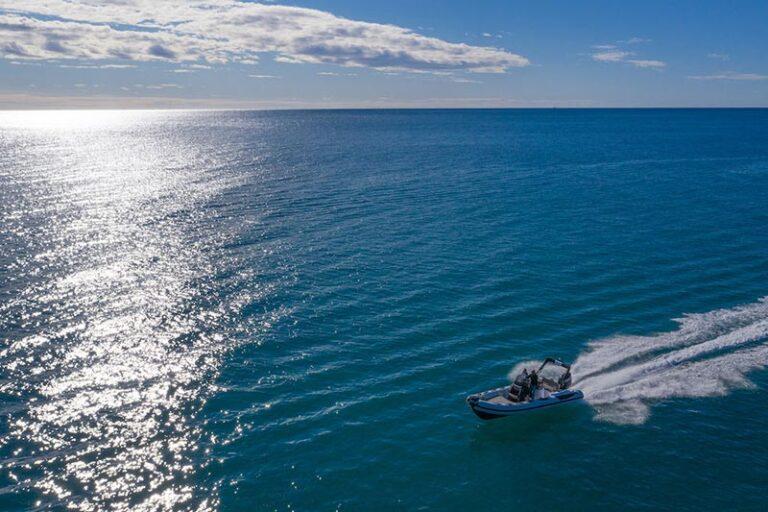 ranieri-cayman-23-sea trial 2