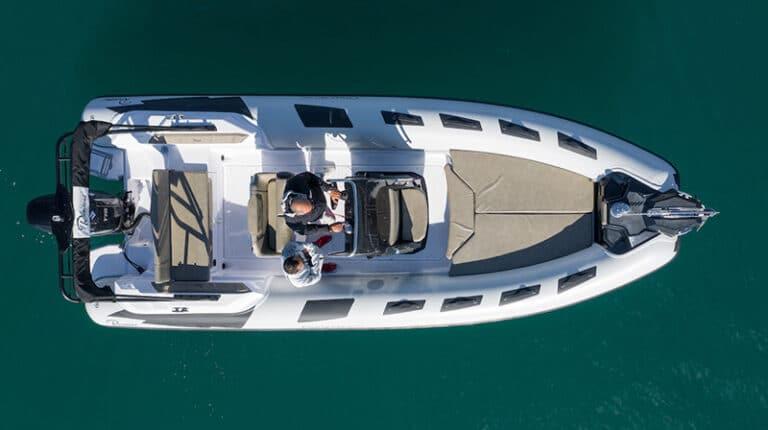 ranieri-cayman-23-sport-top-view