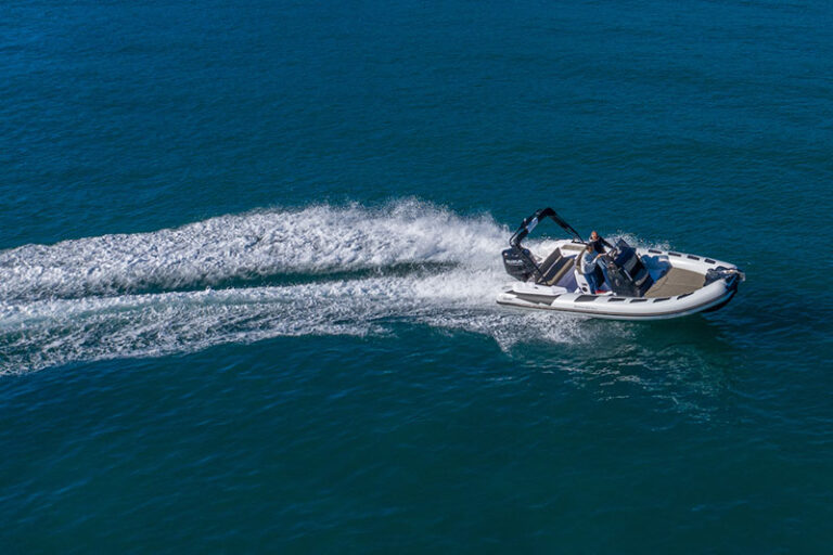 ranieri-cayman-23-sport-turning