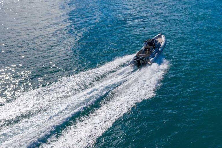 Ranieri Cayman 28.0 Executive cruising speed