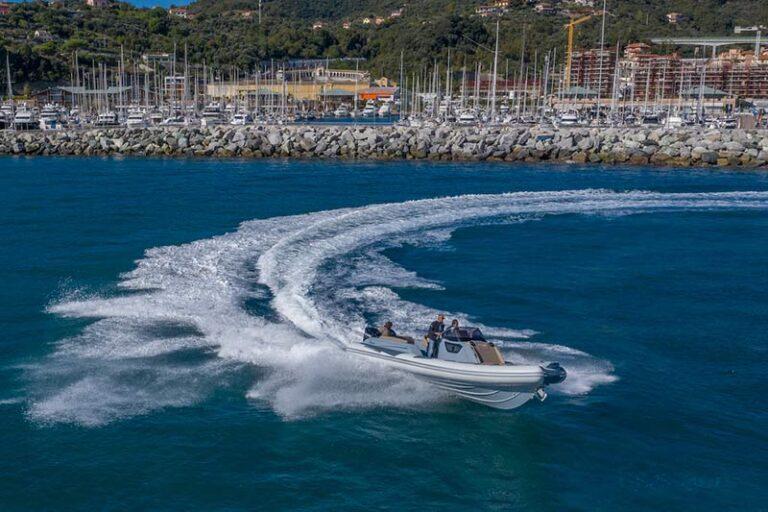 Ranieri Cayman 28.0 Executive stepped hull
