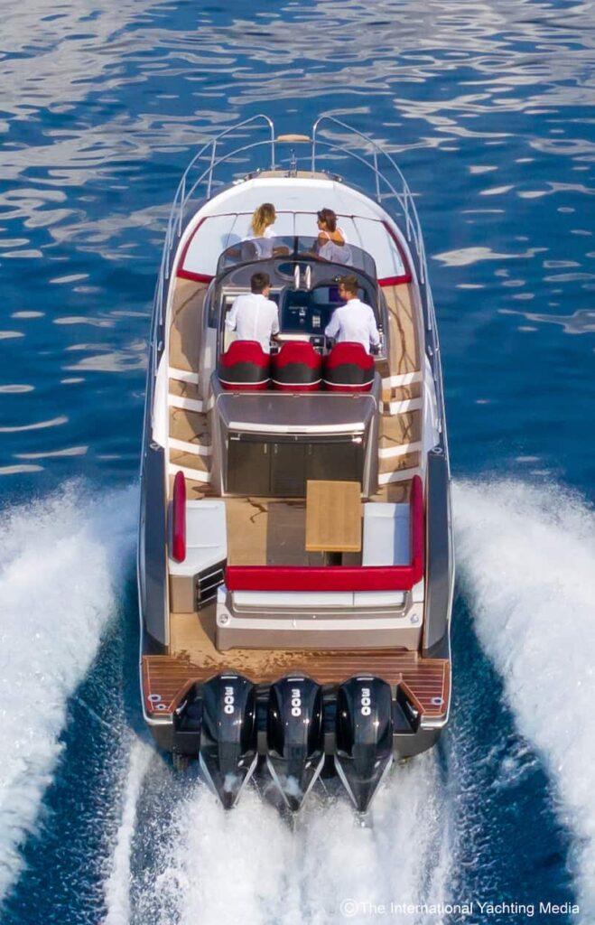 Sessa Key Largo 40 at sea