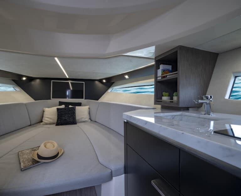Sessa Key Largo 40 bow cabin