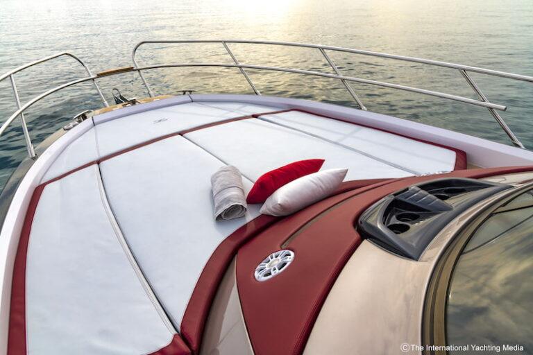Sessa Key Largo 40 bow sundeck