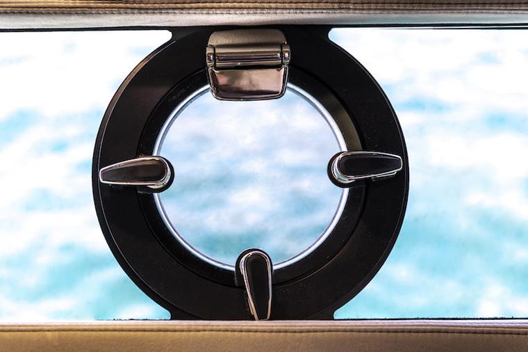 Sessa Key Largo 40 portholes