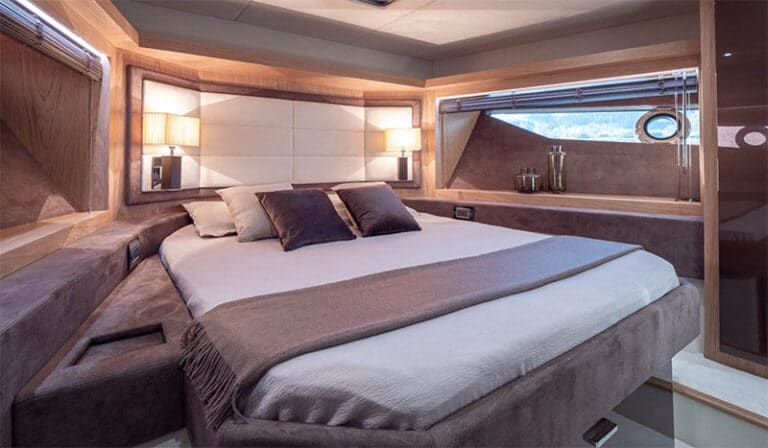 sessa fly 68 gullwing, VIP cabin