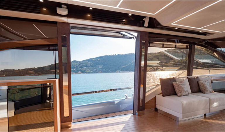 sessa fly 68 gullwing, side opening