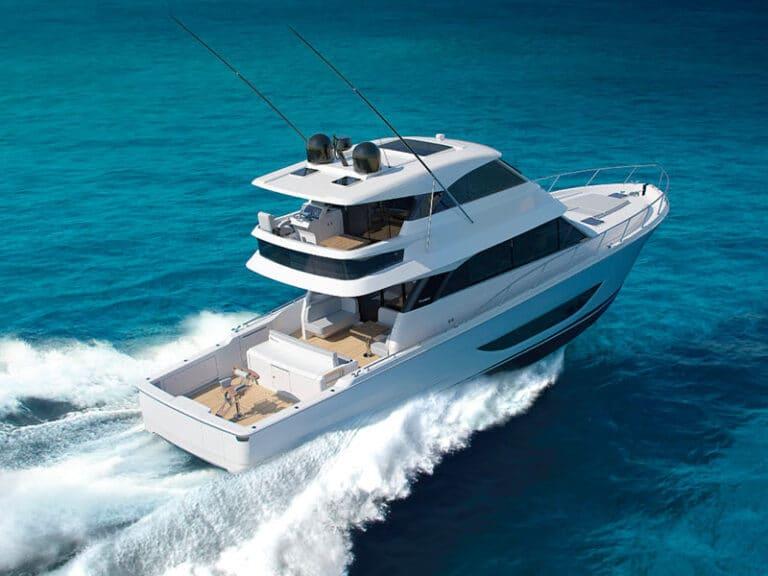 Maritimo M600 on board