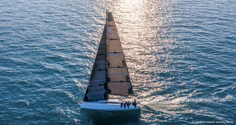 Neo 430 Roma under sail