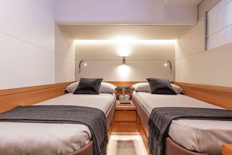 pardo-endurance-60-VIP-cabin-aft