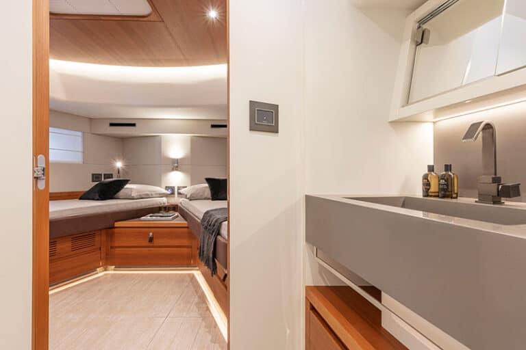 pardo-endurance-60-VIP-cabin-head