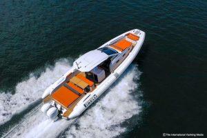 pirelli-42-white-at-sea